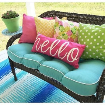 Cute Spring Porch Pillow Decoration Ideas That Will Inspire You 43