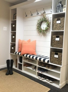 Easy And Simple Shelves Decoration Ideas For Living Room Storage 08