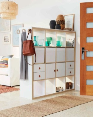 Easy And Simple Shelves Decoration Ideas For Living Room Storage 09