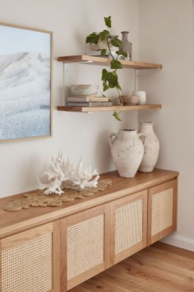 Easy And Simple Shelves Decoration Ideas For Living Room Storage 42