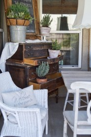 Elegant Chair Decoration Ideas For Spring Porch 49