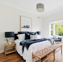 Fabulous White Bedroom Design In The Small Apartment 21