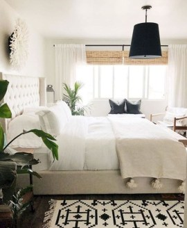 Fabulous White Bedroom Design In The Small Apartment 35