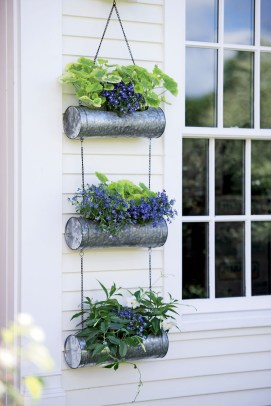 Lovely Hanging Flower To Beautify Your Small Garden In Summer 25