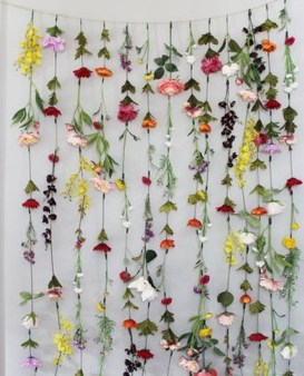 Lovely Hanging Flower To Beautify Your Small Garden In Summer 34
