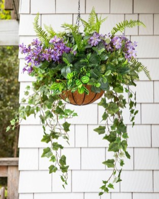 Lovely Hanging Flower To Beautify Your Small Garden In Summer 46