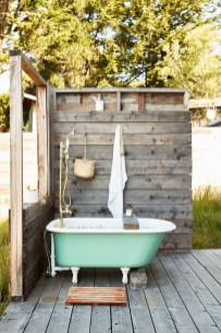 Spectacular Outdoor Bathroom Design Ideas That Feel Like A Vacation 21