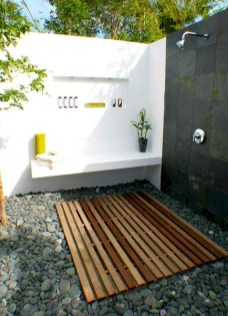 Spectacular Outdoor Bathroom Design Ideas That Feel Like A Vacation 32
