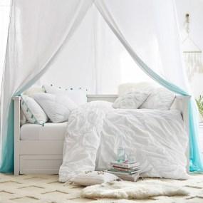 Stunning Teenage Bedroom Decoration Ideas With Big Bed 41