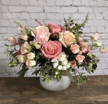 Astonishing Easter Flower Arrangement Ideas That You Will Love 06