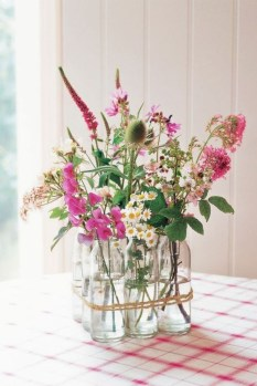 Astonishing Easter Flower Arrangement Ideas That You Will Love 08