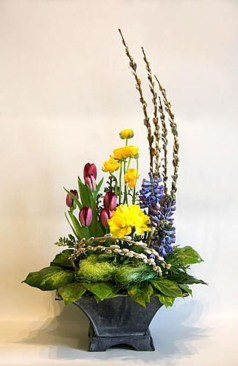 Astonishing Easter Flower Arrangement Ideas That You Will Love 18