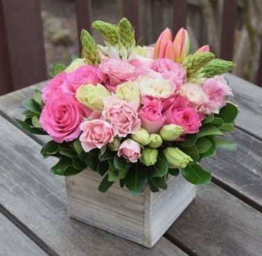 Astonishing Easter Flower Arrangement Ideas That You Will Love 25