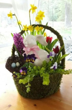 Astonishing Easter Flower Arrangement Ideas That You Will Love 38