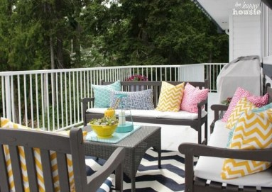 Comfy Spring Backyard Ideas With A Seating Area That Make You Feel Relax 38