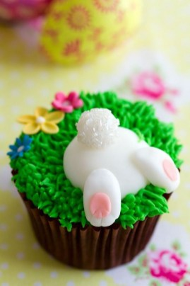 Cute Easter Bunny Decorations Ideas For Your Inspiration 08