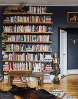 Fabulous Bookcase Decorating Ideas To Perfect Your Interior Design 19