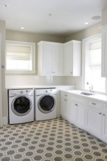 Inspiring Laundry Room Design With French Country Style 08