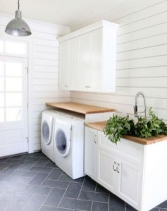 Inspiring Laundry Room Design With French Country Style 23