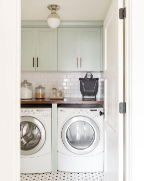 Inspiring Laundry Room Design With French Country Style 37