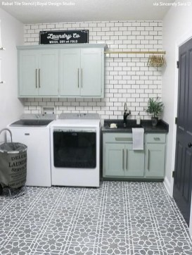 Inspiring Laundry Room Design With French Country Style 42