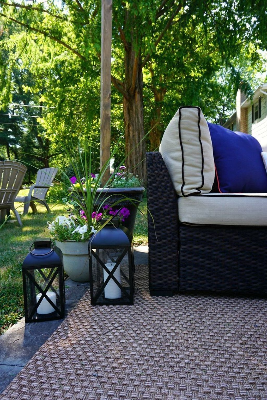Luxury Garden Furniture Ideas To Enjoy Your Spring Backyard 34