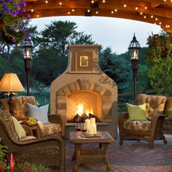 Marvelous Backyard Fireplace Ideas To Beautify Your Outdoor Decor 16