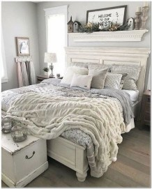 Perfect Choices Of Furniture For A Farmhouse Bedroom 14