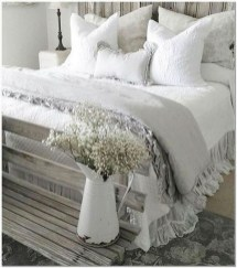 Perfect Choices Of Furniture For A Farmhouse Bedroom 22