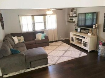 Popular Ways To Efficiently Arrange Furniture For Small Living Room 13