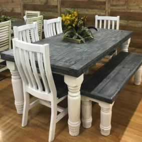 Rustic Farmhouse Table Ideas To Use In The Decor 02