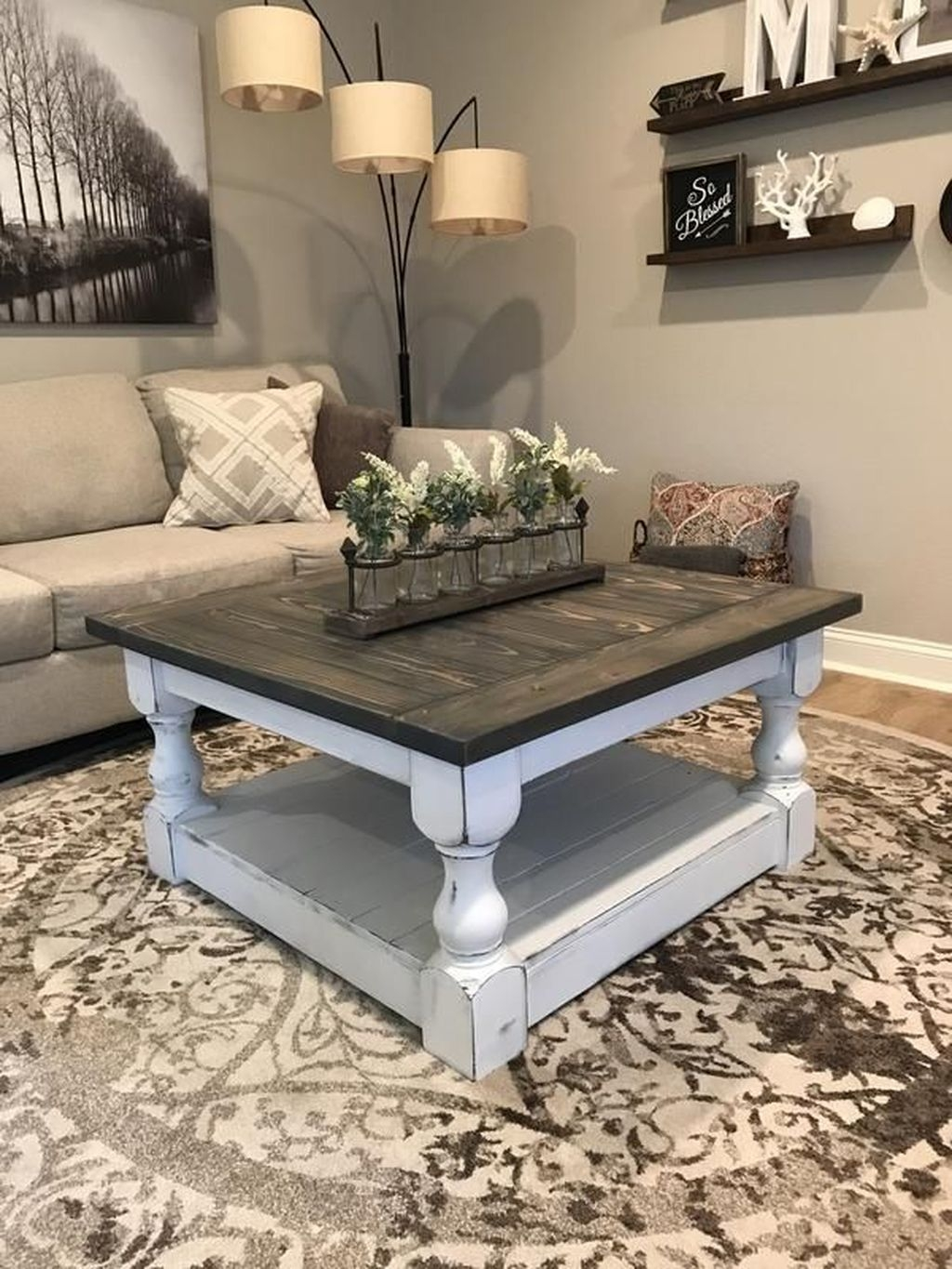 Rustic Farmhouse Table Ideas To Use In The Decor 30