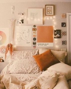 Splendid Dorm Room Ideas To Tare Room Decor To The Next Level 06