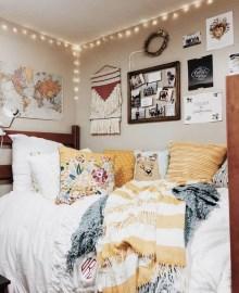 Splendid Dorm Room Ideas To Tare Room Decor To The Next Level 21