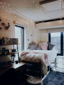 Splendid Dorm Room Ideas To Tare Room Decor To The Next Level 31