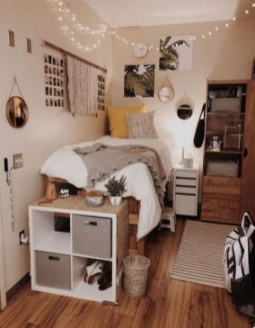 Splendid Dorm Room Ideas To Tare Room Decor To The Next Level 40