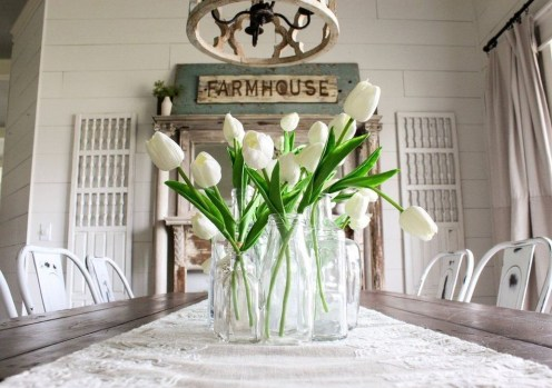 Adorable Spring Centerpieces Ideas For Dining Room Decor 37
