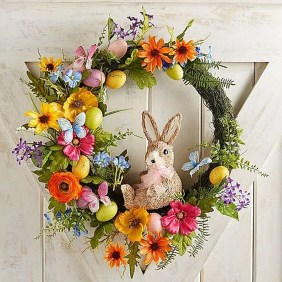 Gorgeous Outdoor Easter Decorations To Bedeck Your House In Style 03