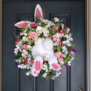 Gorgeous Outdoor Easter Decorations To Bedeck Your House In Style 33