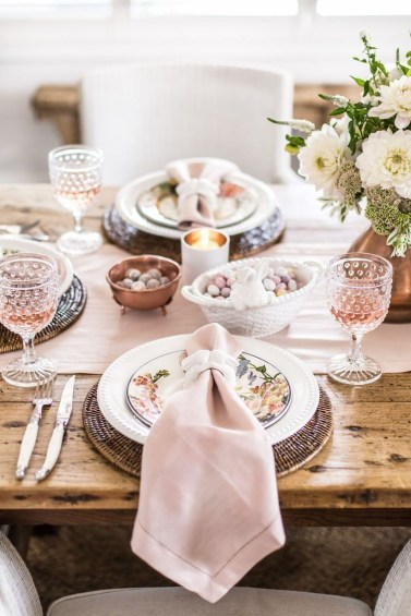 Marvelous Easter Tablescapes That Will Make Your Jaw Drop 10