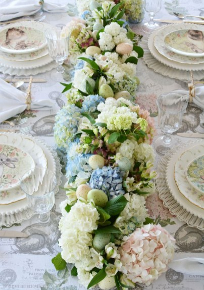 Marvelous Easter Tablescapes That Will Make Your Jaw Drop 14