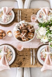 Marvelous Easter Tablescapes That Will Make Your Jaw Drop 38