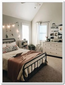 Minimalist And Simple Bedroom Decor Ideas That You Should Try 40