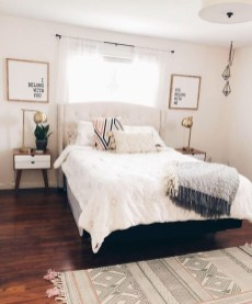 Minimalist And Simple Bedroom Decor Ideas That You Should Try 41