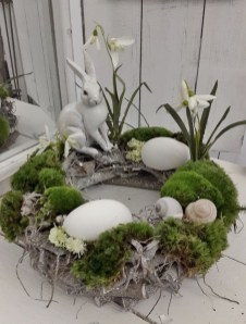 Superb Easter Table Decoration Ideas To Give Your Tablescape A Festive Vibe 41