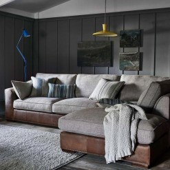 Unusual Corner Sofa Ideas That You Can Apply In The Living Room 18