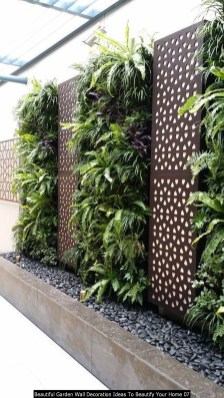 Beautiful Garden Wall Decoration Ideas To Beautify Your Home 07