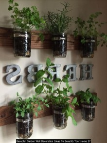 Beautiful Garden Wall Decoration Ideas To Beautify Your Home 27