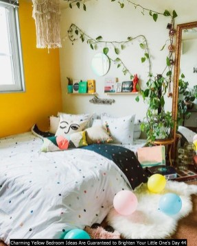 Charming Yellow Bedroom Ideas Are Guaranteed To Brighten Your Little One's Day 44