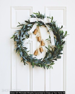 Clever DIY Minimalist Wreaths Guaranteed To Dress Up Your Home 06